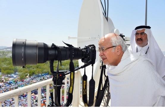 """""""خوجة"""" يتفقد مقر وزارة الإعلام والهيئات التابعة له في عرفات"""