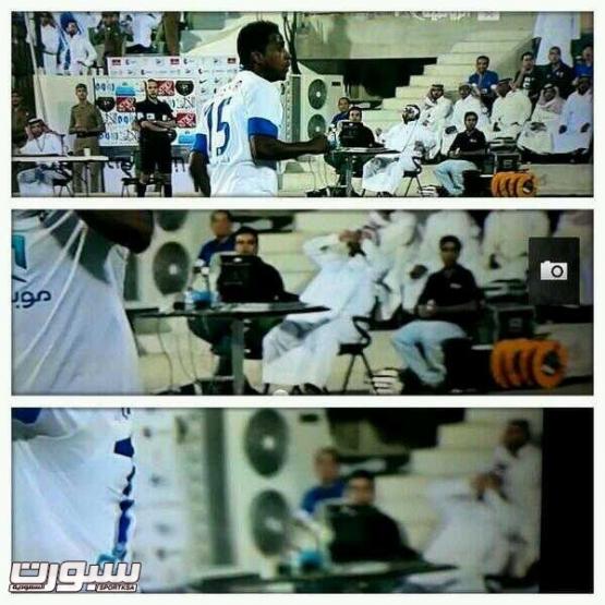 قصة صورة : شاهد غضب معلق مباراة الهلال والتعاون بعد ضياع فرصة هلالية !