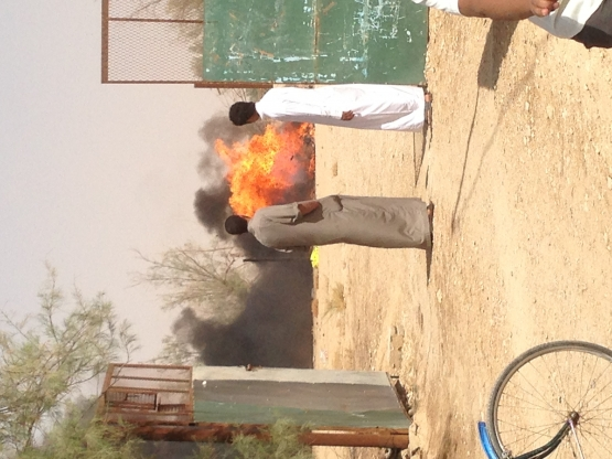 مدني الأفلاج يخمدحريقآ في مكب نفايات أثناء صلاة الجمعة
