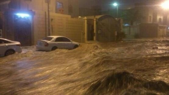 البحث عن مفقودين من أهل الأفلاج بسيول الرياض