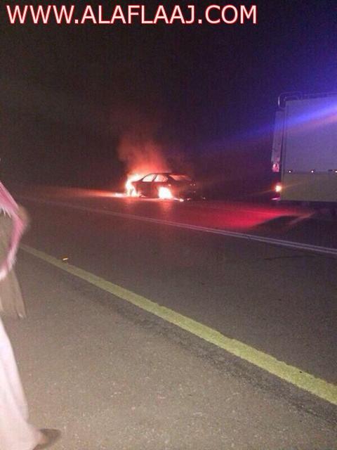 احتراق سيارة في الهدار والجهات الأمنية تباشر الحادثة