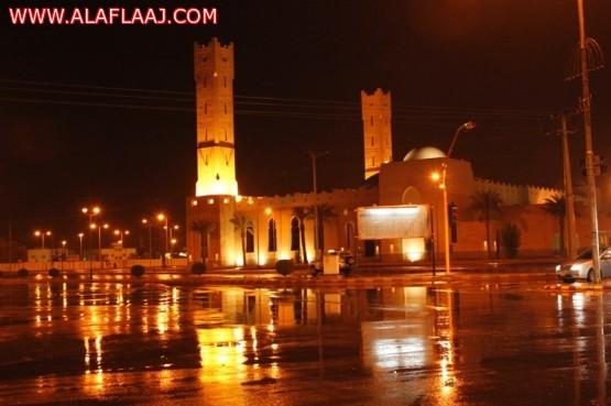 بالصور : أمطار الخير والبركة على محافظة الأفلاج والمراكز التابعة لها