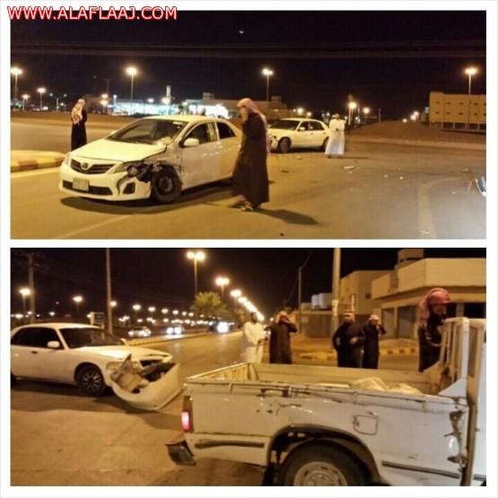 حادث من ثلاث سيارات في تقاطع طريق الأمير سلمان