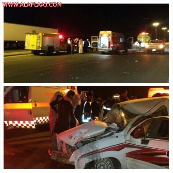 حادث مروري على طريق الجنوب يصيب مواطنآ