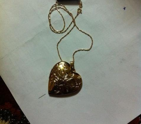 محل مجوهرات بالأفلاج يتحايل على المواطنين ببيع المغشوش بسعر الأصلي