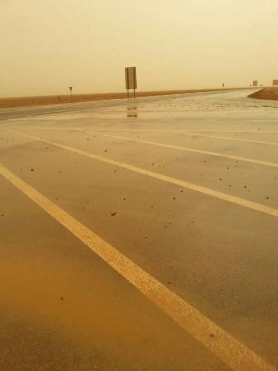 أمطار متوسطة على الهمجة بالأفلاج