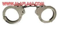 القبض على جاني قام بسرقة حقيبة من متسوقة بسوق الأفلاج