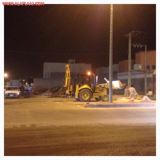 مواطنين : تضررت سياراتنا من الألغام والتقاطعات الخطرة