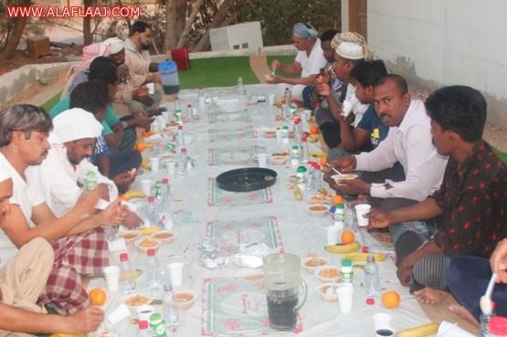 بالصور : بالتعاون مع فريق بادر التطوعي  تعاوني البديع يقيم إفطار الصائمين بمركز سويدان