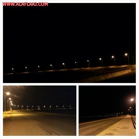 ربط طريق الأحمر واسط بشبكة إنارة بطول 11 كم