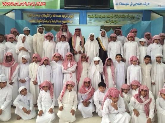 آل حسين والزايد يتفقدان مدارس اﻷفلاج