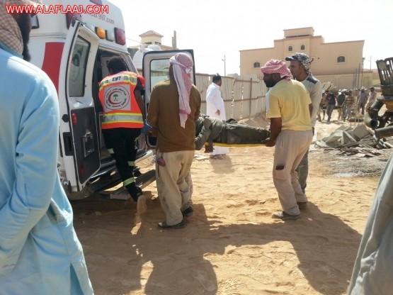 إصابة أربعة عمال بعد سقوط سقف مدخل مدرسة قيد اﻹنشاء باﻷفلاج