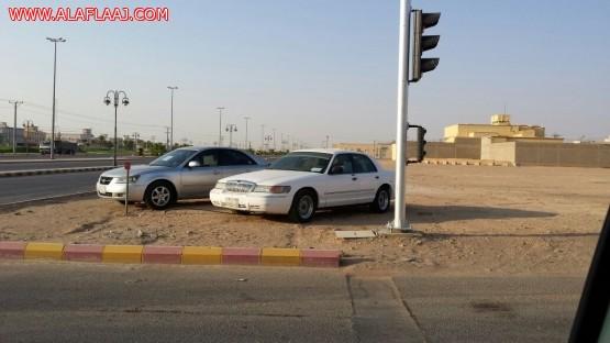 مدير المرور متجاوبآ : سيتم سحب السيارات المعروضة للبيع بجانب الإشارات