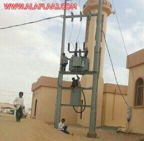 مغرّدون يبدون قلقهم من صورة لأطفال يلعبون فوق محوّل كهربائي