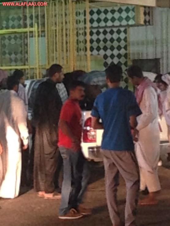 انفجار إطار داخل محطة وقود شمال المحافظة يصيب اثنين من العمالة الآسيوية