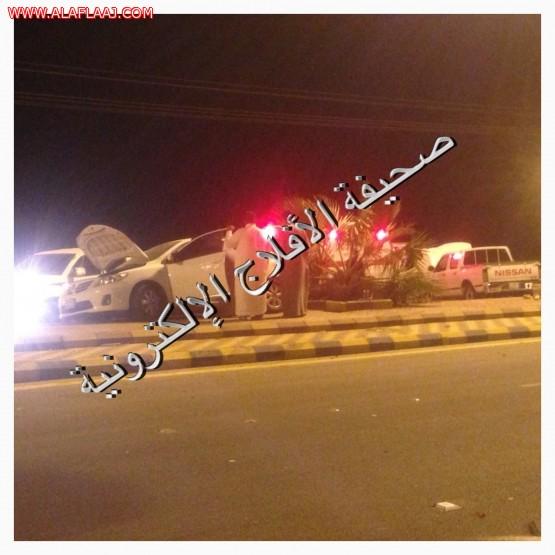 إصابات متفرقة لعشريني في حادث على طريق الأمير محمد