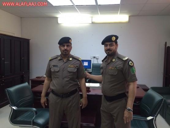 مدير مخفر شرطة الهدار يقلد ال عمار رتبته الجديدة