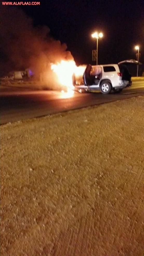 حادث مروري يصرع مواطن ويصيب اثنين من مرافقيه في اﻷفلاج