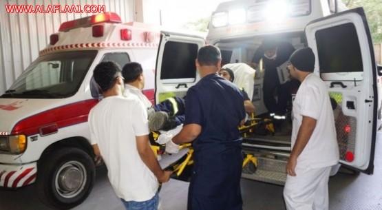 إصابة عامل آسيوي بكسور متفرقة بعد سقوطه من الدور الثالث