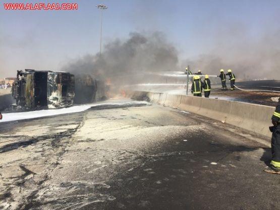 حريق ناقلة وقود يغلق الطريق الدائري الشرقي بالرياض