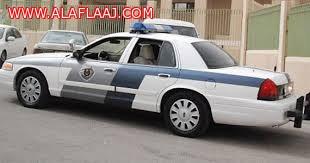 الدوريات اﻷمنية بالمحافظة تضبط شاب متهم بسرقة السيارات والعبث بها