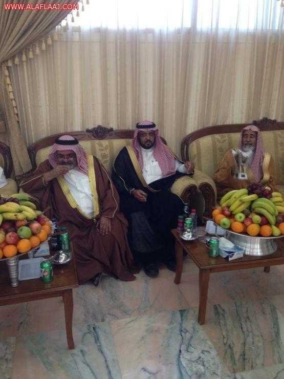 الشيخ عبدالعزيز بن مترك يستقبل الشيخ جابر الخليفة