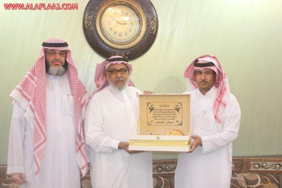 لقاء خاص مع مربي فاضل خدم دينه ووطنه خمسة وثلاثون عاماً