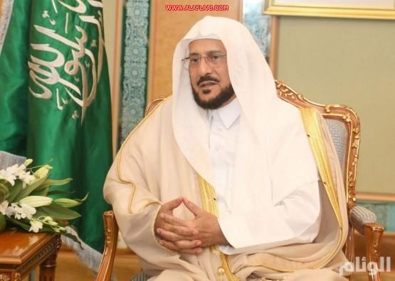 وزير الشؤون الإسلامية: سنغلق المساجد مؤقتاً عند الضرورة