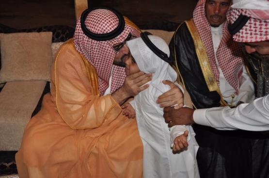 بالصور زيارة الأمير سلمان بن عبدالعزيز بن محمد ال سعود لمحافظة