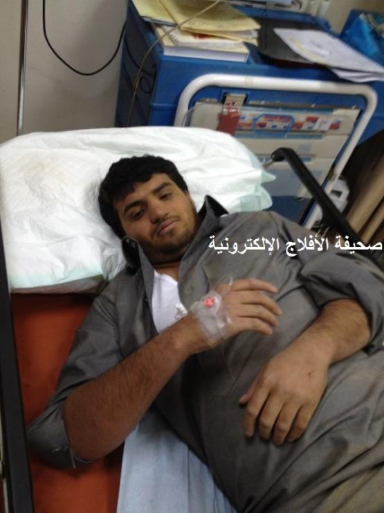 نجاة رجل أمن إرتطم في جمال سائبه في ساعة متأخره من الليل