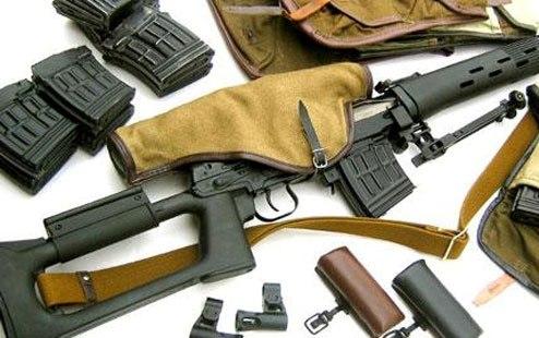 مجهولون يمطرون مدير شرطة وادي الدواسربـ«20»طلقة نارية