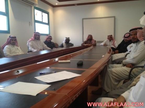 المجلس العلمي للمواد الدراسية يعقد أول اجتماعاته
