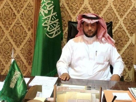 رئيس بلديه الهدار يصدر تعليماته بإغلاق الغرفة المفتوحة لتصريف المياة