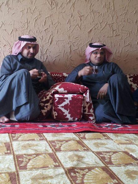 الأديب والشاعر والكاتب بصحيفة الأفلاج الإلكترونية إبراهيم حلوش في زيارة للأفلاج