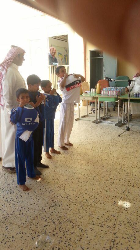 مدرسة أنس بن مالك تشارك بقية المدارس في تفعيل اليوم المفتوح