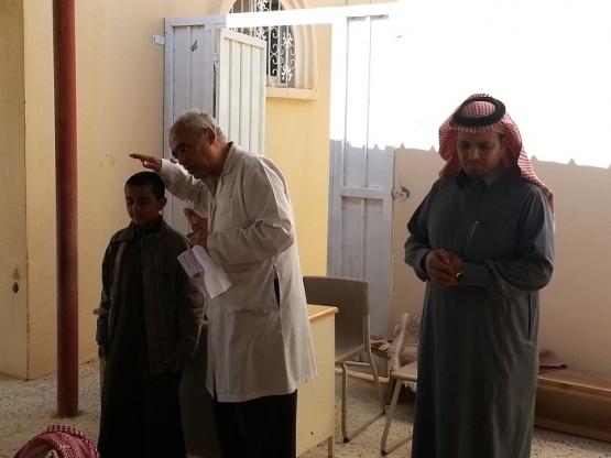 مدرسة أنس بن مالك الابتدائية تطبق فعاليات حملة التوعية الصحية