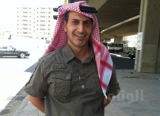 إيراني يرتدي الشماغ اعجاباً بالزي السعودي