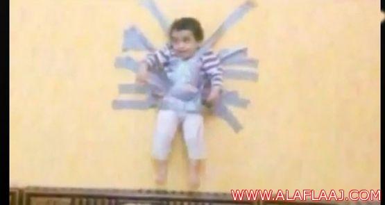 حقوق الإنسان : من يعرف شيئا عن طفل الجدار فليخبرنا فورا .. نريد تطبيق القانون.. فيديو