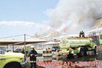 بالصور  : الفيصل يتابع حريق مصنع السكر ويطمئن على 16 مصاباً