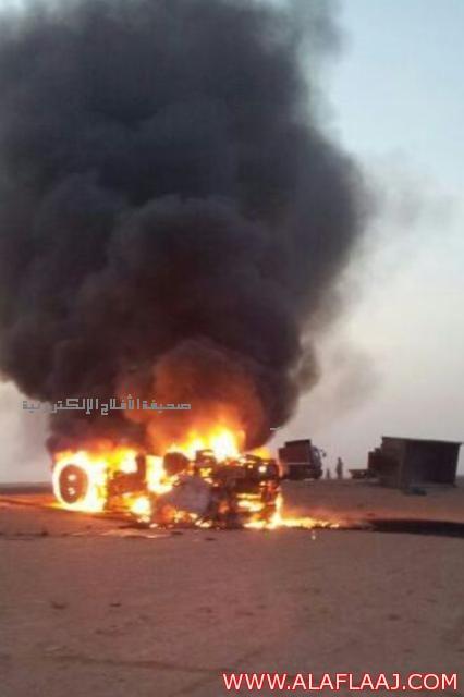 بالصور : تصادم بين شاحنتين شمال الأفلاج يسفر عن احتراق أحدهما