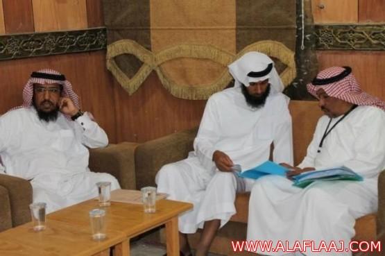 بالصور.. مشرف وزاري يتفقد اللأندية الموسمية بالمحافظة