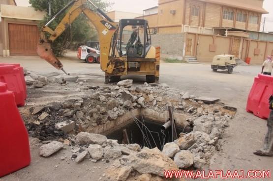 بالصور..تجاوباً مع صحيفة الأفلاج الإلكترونية مدير البلدية يوجهه بإزالة خطورة بيارة المسجد