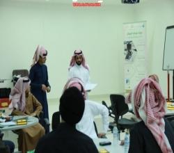 المدرب مسفر العرجاني يواصل برنامجه التدريبي لمستفيدي جمعية المزاحمية